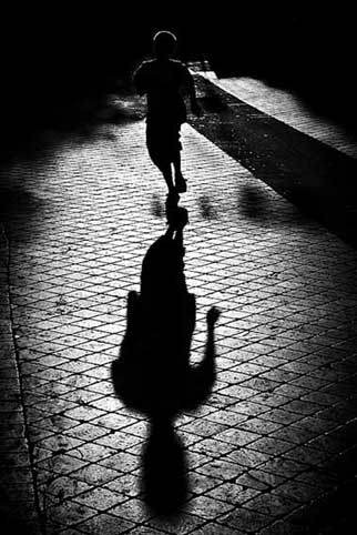 running-shadow