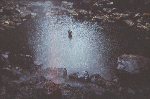 boy-photography-rain-stones-water-Favim.com-356805